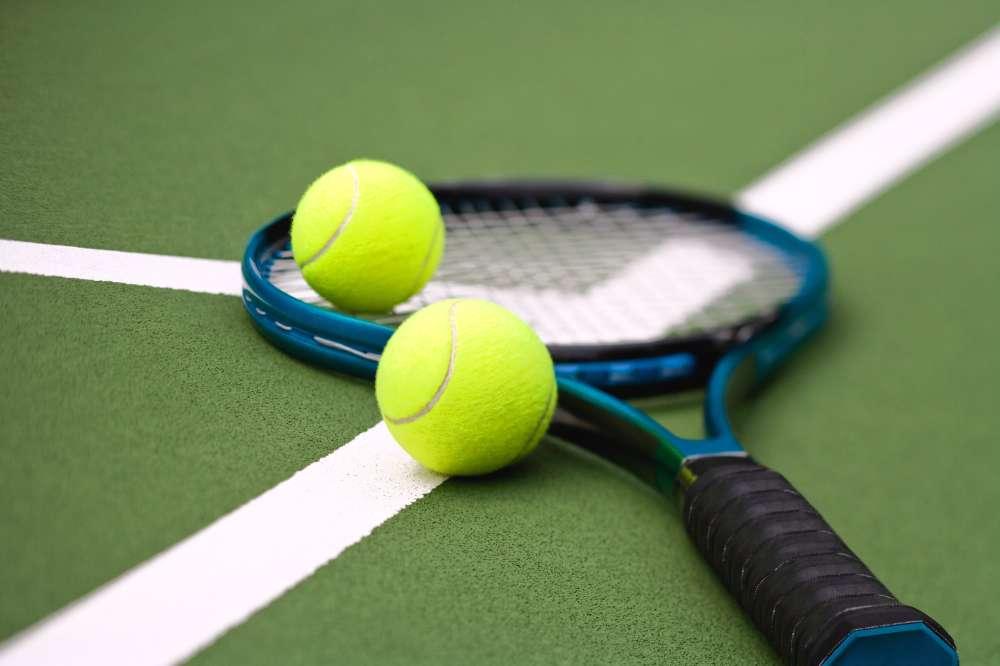 Где поиграть в большой теннис в Челябинске?