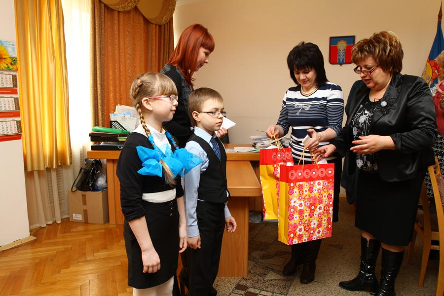 Какую помощь оказывают детские благотворительные фонды в Челябинске?