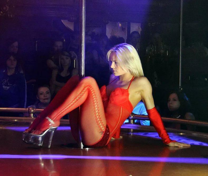 Где найти хороший стриптиз-клуб в Челябинске?