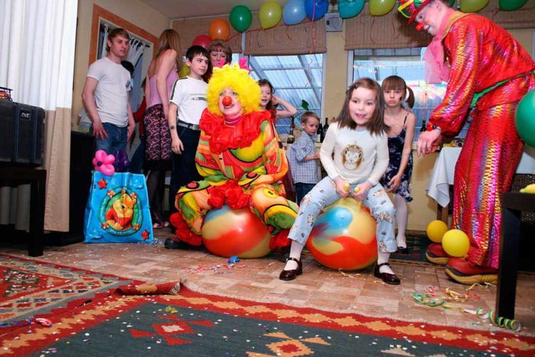 В каких кафе Челябинска работают аниматоры для детей?